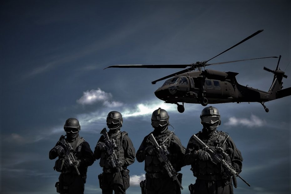 Helicopter and special force soldiers